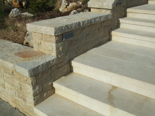 granit blockstufen verlegen cheap naturstein pflaster granit gropflaster berlin potsdam. Black Bedroom Furniture Sets. Home Design Ideas
